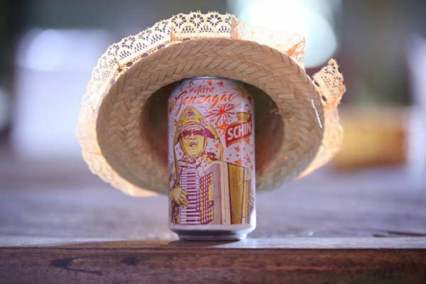 Latas de cerveja homenageiam Luiz Gonzaga - Crédito: Mateus Ross/Divulgação
