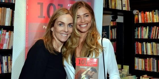 Patricia Kogut recebeu Grazi Massafera em noite de lançamento do seu livro - Crédito: Cristina Granato/Divulgação