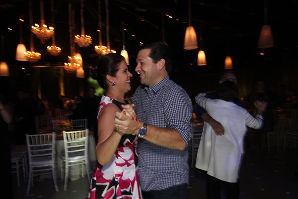 Geraldo Julio e Cristina Mello curtindo o Baile dos Namorados - Crédito: Roberto Ramos / DP