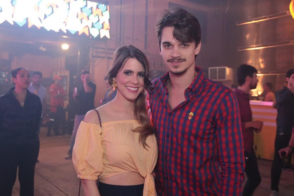 Eduarda Dubeux e Victor Carvalheira - Crédito: Luiz Fabiano
