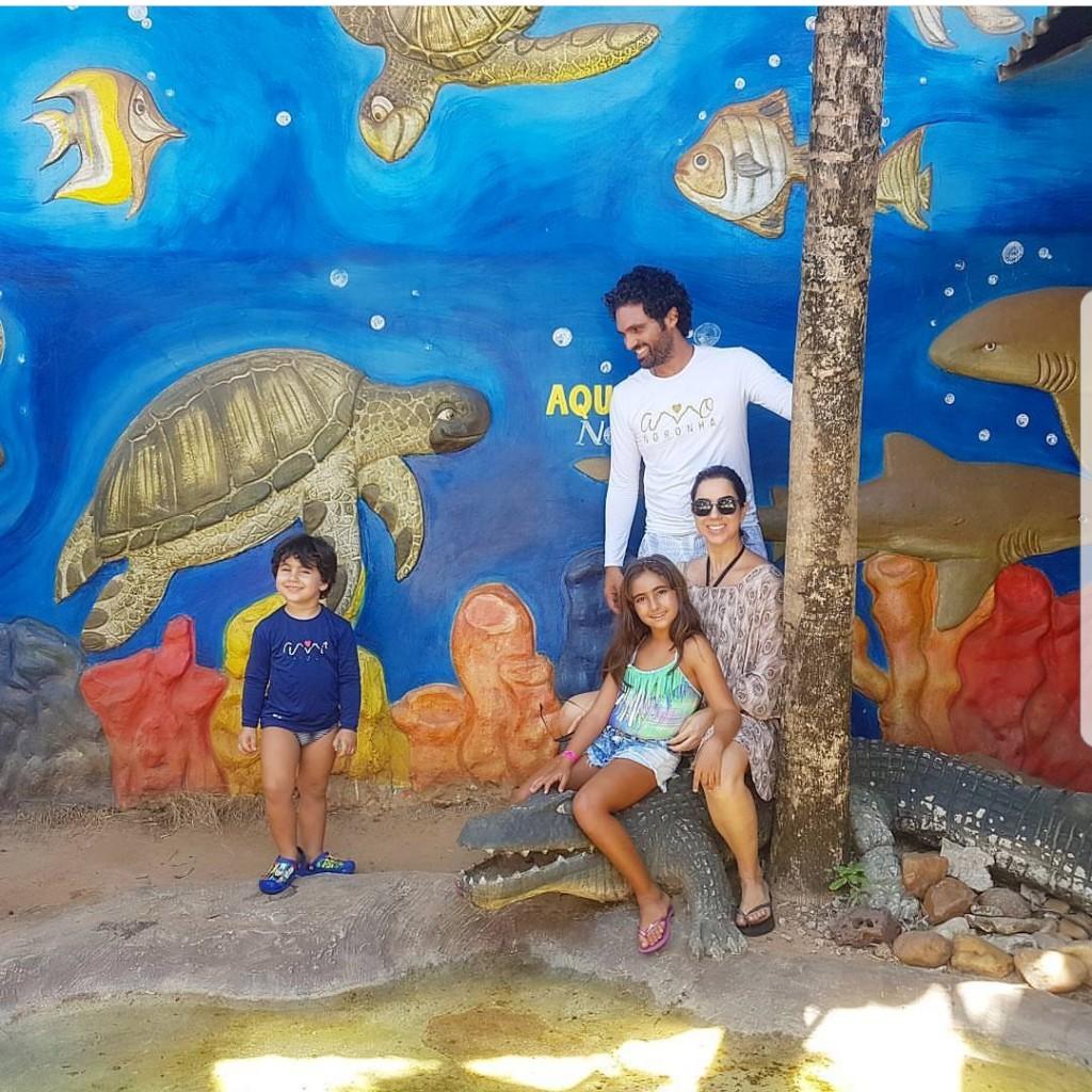 Tuca Sultanum com sua esposa e dois filhos - Crédito: Reprodução / Instagram