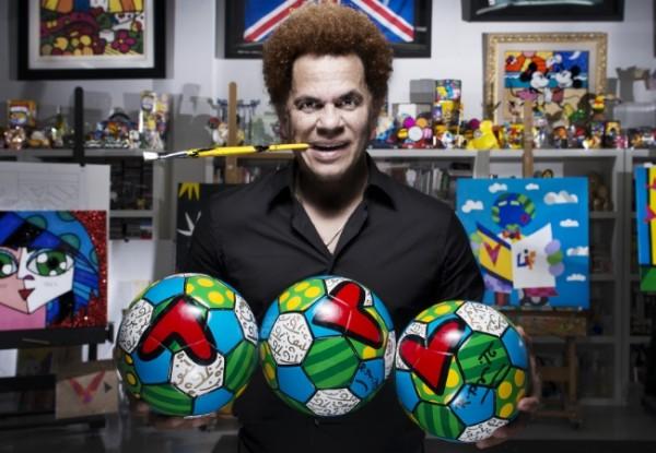 Romero Britto fará seu primeiro trabalho para a televisão, que estreia ainda este ano no Discovery - Crédito: Divulgação/WideWalls