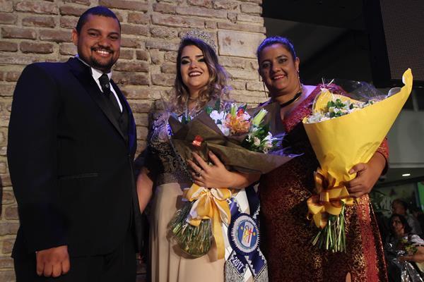 Ewerton de Castro, Nathalia Granja e Karla Rezende - Crédito: Roberto Ramos