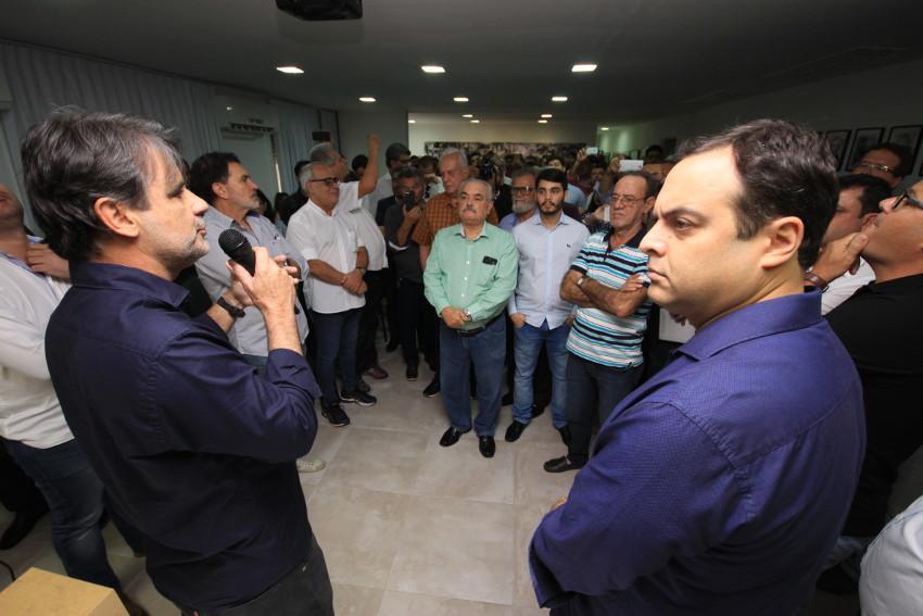 Raul Henry e Paulo Câmara/Josenildo Tenório