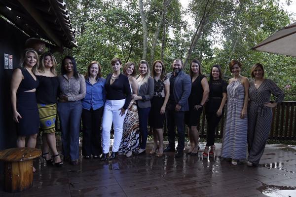 As empresárias com André Rameh - Hair Nove - Crédito: Gleyson Ramos/Divulgação