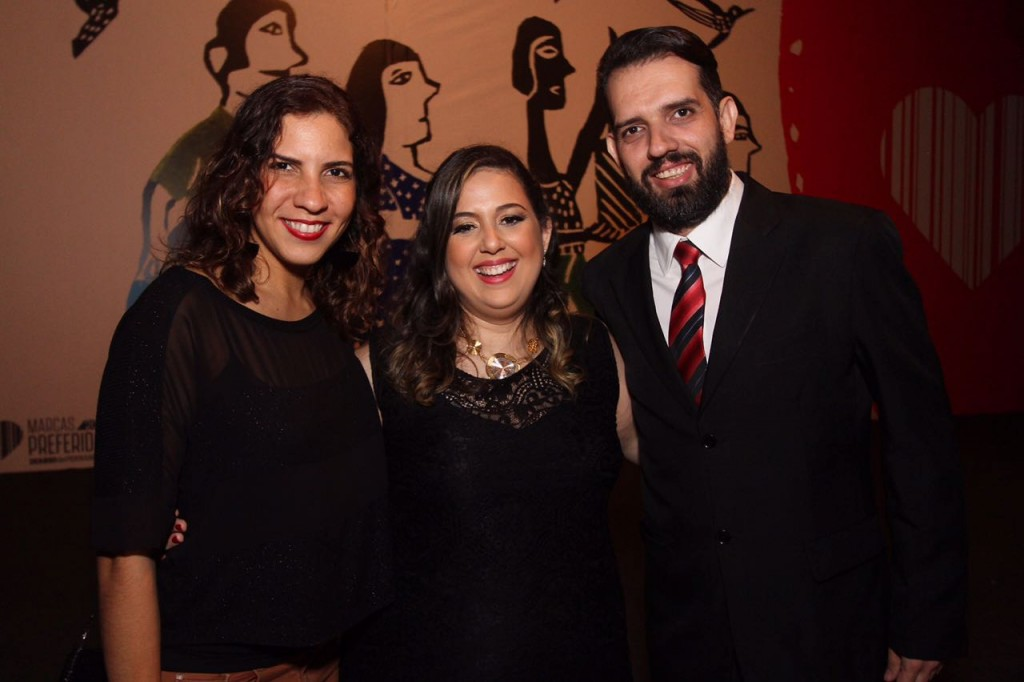 Paula Fernanda, da Agência Arcos, Anchielly Barros, e Rodrigo Rodrigues, da Blackninja - Crédito: Roberto Ramos/DP