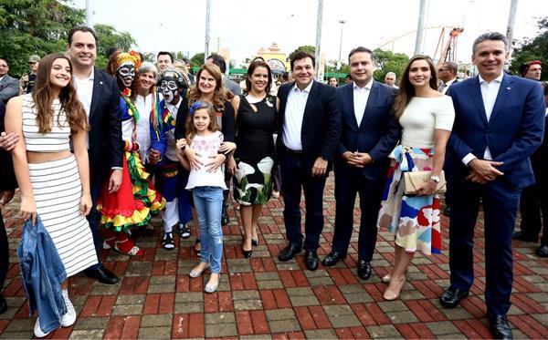Recepção do governador de Alagoas Renan Filho e sua esposa Renata, na abertura da Fenearte - Crédito: Aluísio Moreira / Divulgação