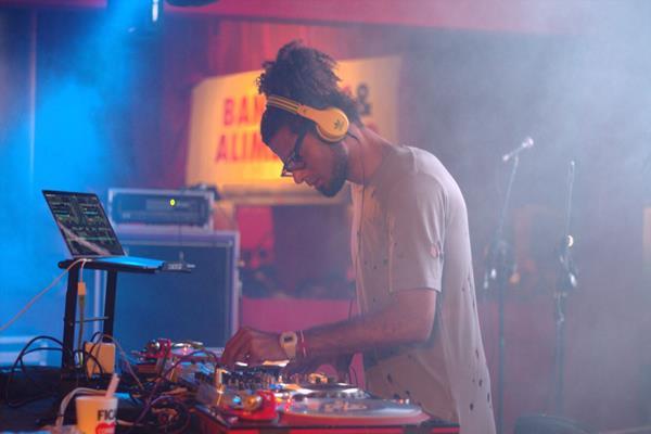 DJ Gigga - Crédito: André Valença