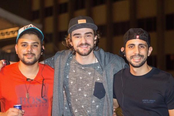 Guilherme Abreu, vocalista Delão e Breno Sampaio - Crédito: André Valença