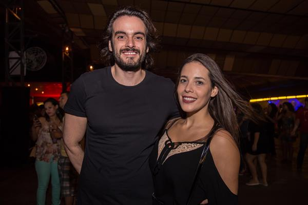 Fábio Almeida e Gabi Borsatti - Crédito: Lara Valença