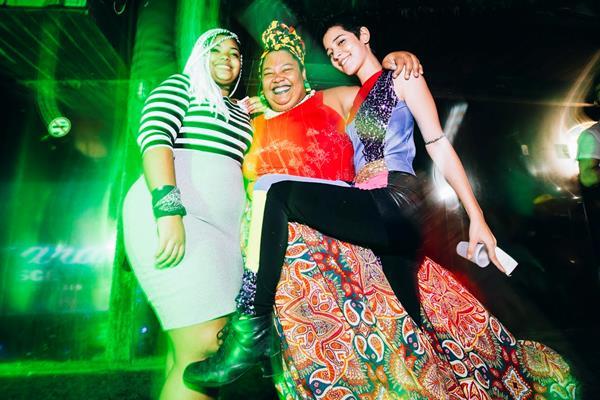 Giulia Santos, Carmem Virgínia e Ana Lúcia Ribeiro - Crédito: Lana Pinho