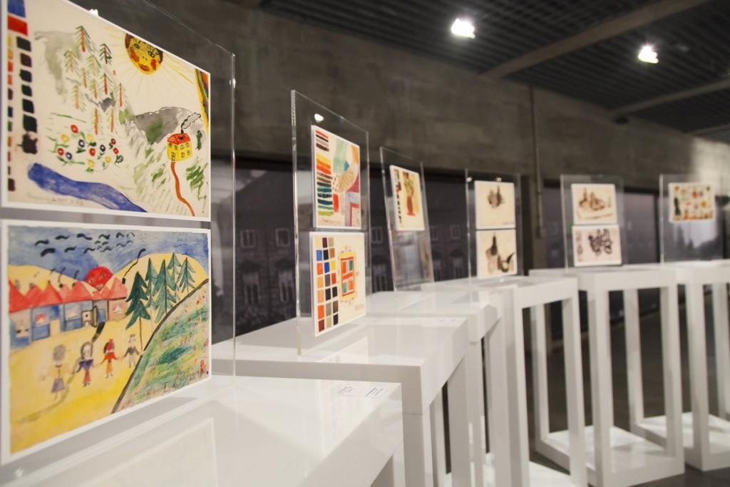 Exposição As Meninas do Quarto 28 traz desenhos de judias presas em um campo de concentração - Crédito: Divulgação