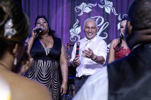 Chrigor também soltou a voz no palco - Crédito: Luiz Fabiano/Divulgação