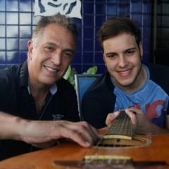 Miguel Barbosa, pai e empresário de John Geração, conta como administra a carreira do filho