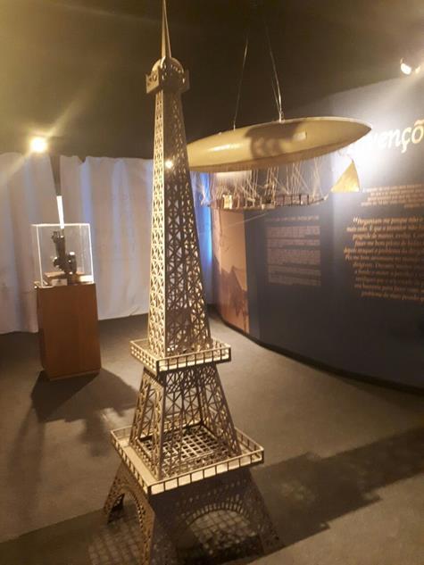 O dirigível que sobrevoou Paris - Crédito: Marília Gouveia/DP