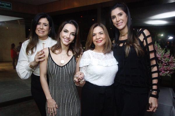 Jacyra Salsa, Cris Lemos, Ana Silvia Moutinho e Myrna Targino - Crédito: Ricardo Fernandes / DP