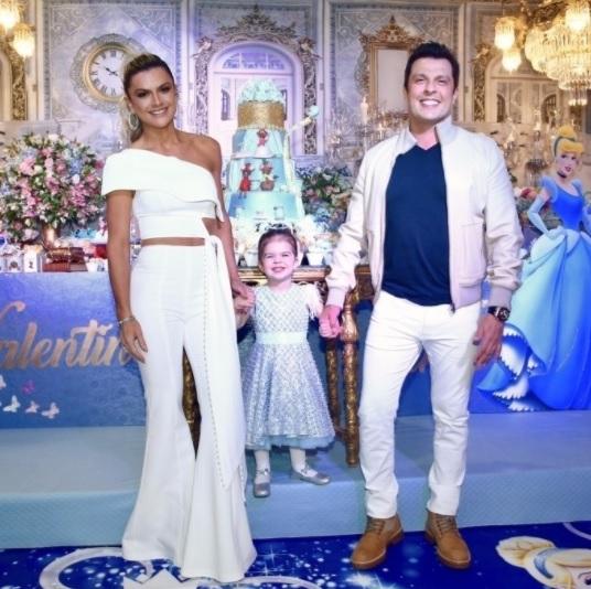 Mirella Santos, Valentina, e o humorista Ceará - Crédito: Reprodução/Instagram