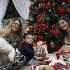 Especial: Karla Santos e a decoração natalina digna capa de revista