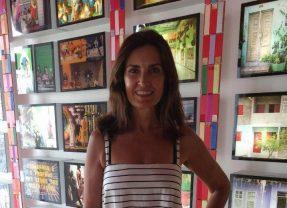 Fátima Bernardes curte férias no Recife e visita o Paço do Frevo