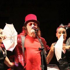 Mesmo com chuva, foliões comparecem a abertura do Carnaval de Olinda