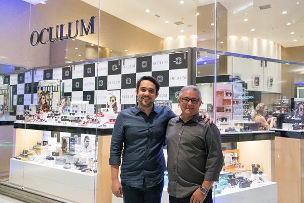 eff46fef253fc Oculum RioMar lança nova coleção de óculos da Prada e anuncia expansão da  rede