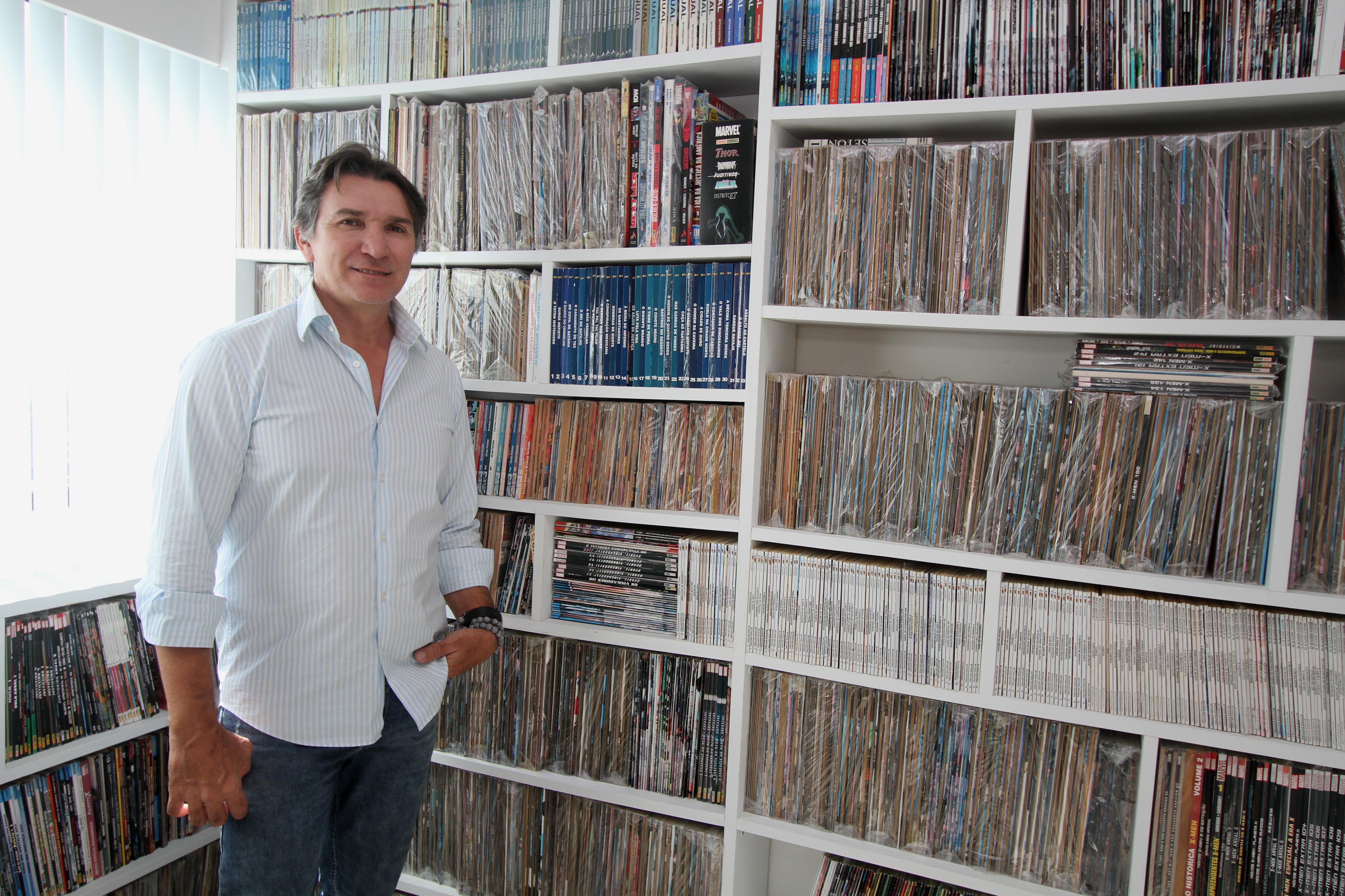 bc1fe8139 João Janguiê coleciona quadrinhos há 40 anos – Crédito: Nando Chiappetta/DP
