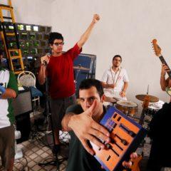 Mombojó anuncia novo projeto e um disco em vinil, oMMBJ 12