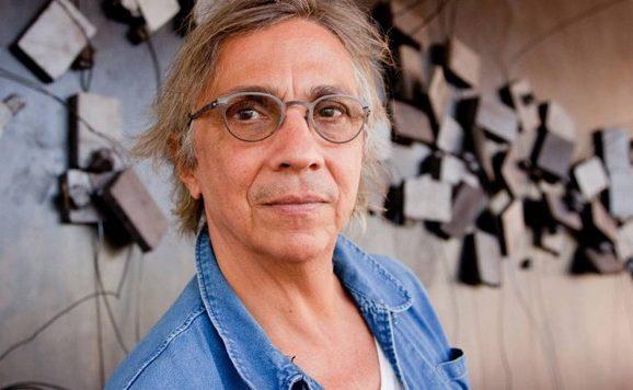Desenhista pernambucano com obra no Louvre ganha documentário