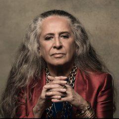 Maria Bethânia apresenta canções inéditas na turnê Claros Breus