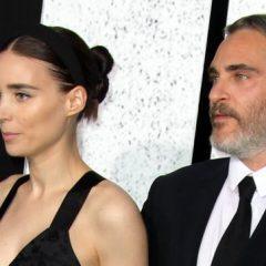 Joaquin Phoenix e Rooney Mara estariam esperando o primeiro filho, diz jornal
