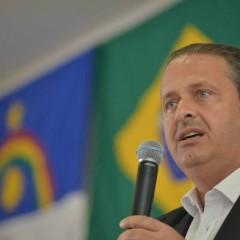Eduardo Campos quer diminuir a inflação e o número de ministérios