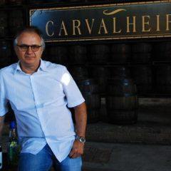 Carvalheira produz 100 mil litros de cachaça ao ano, segundo Eduardo Carvalheira