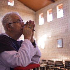 Padre Airton Freire realiza ação de Natal com a Fundação Terra